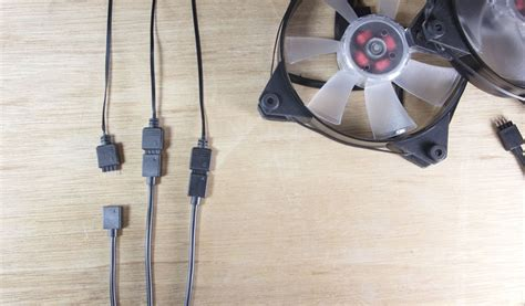 Cooler Master: CM RGB Trident Fan cable 1-to-3