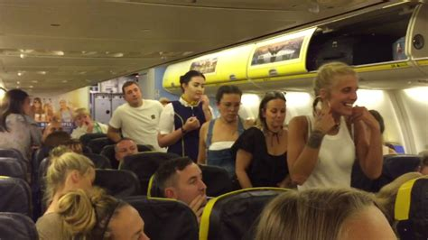 GROUP OF GIRLS GET KICKED OUT AND ARRESTED ON RYANAIR