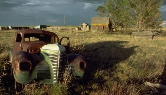 abandoned-farm-in-colorado - The Dust Bowl Pictures - Dust